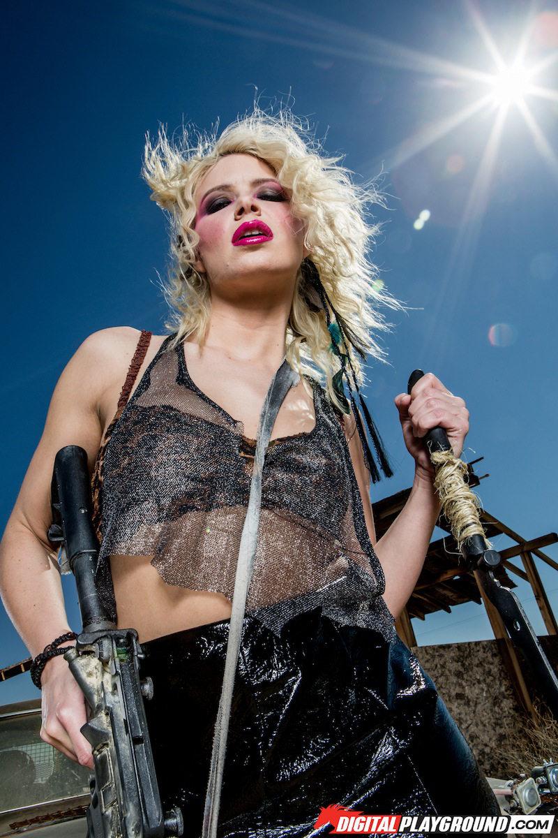 Anikka Albrite in Apocalypse X