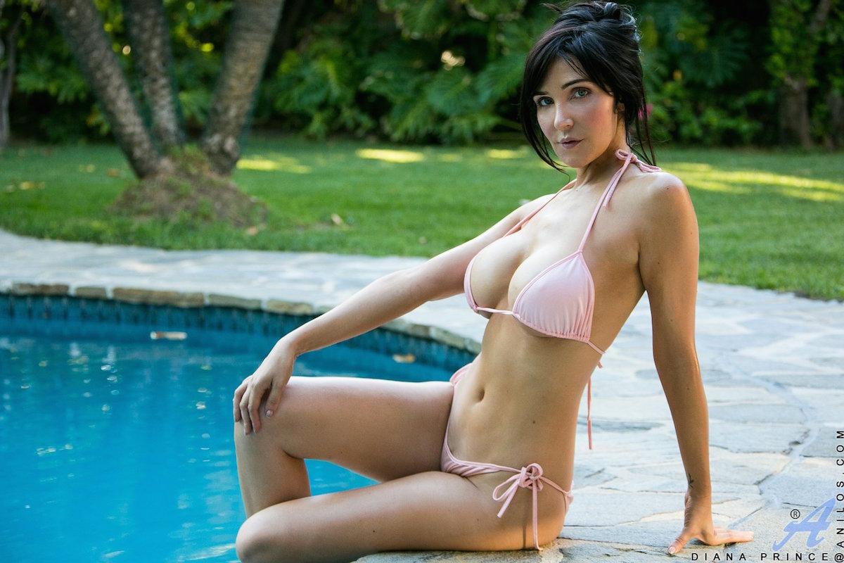 Rika rubia Milf bikini porn hot gym