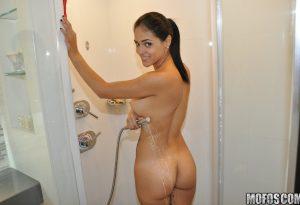 Jasmine Caro
