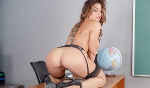 Nikki Capone porn star