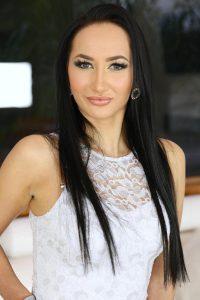 Lara Onyx
