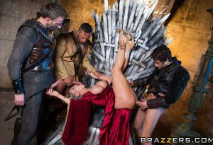 Queen of Thrones XXX 4.9