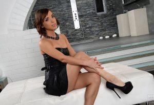 Tina Hot