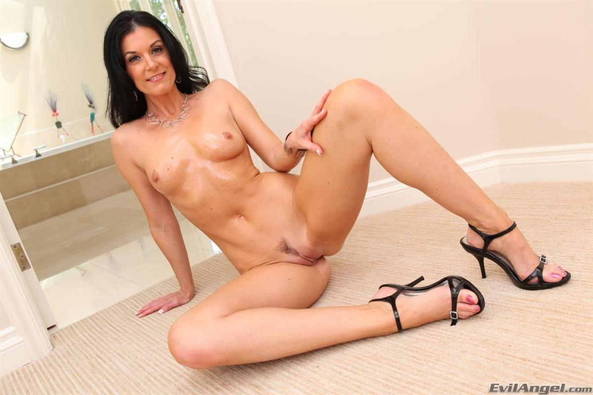 India Summer - Milf Porn Star Biography - The Lord Of Porn-6656