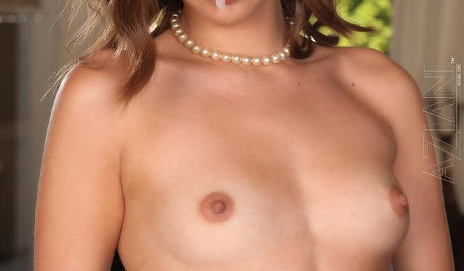 Riley Reid boobs