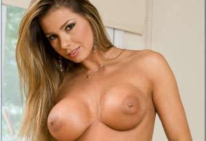 Esperanza Gomez tits