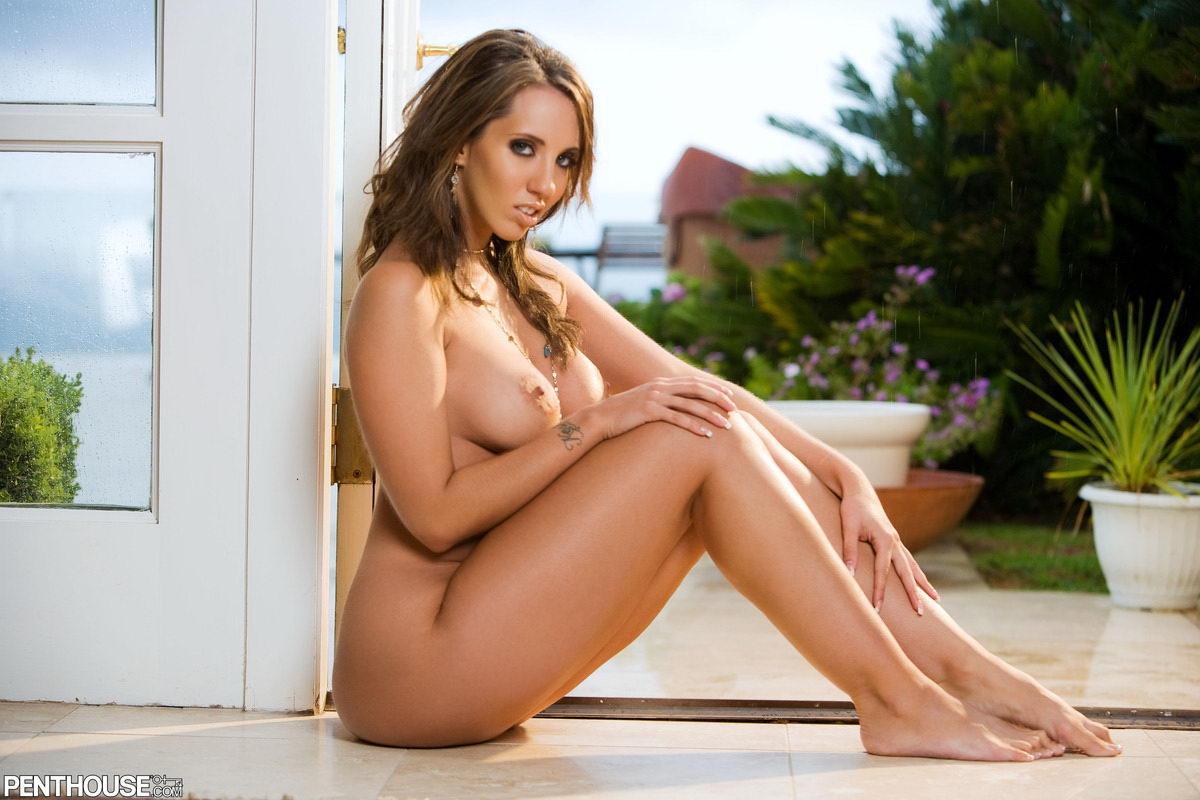 Kelly divine nackt