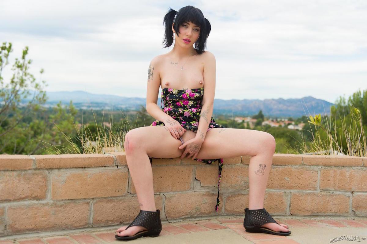 Charlotte Sartre Porn
