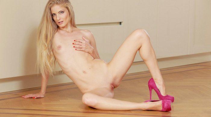 Kirstens archive erotic stories