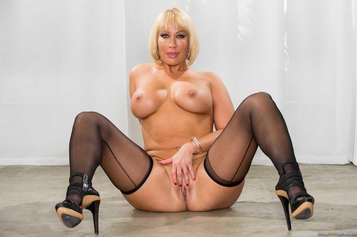 Top 25 Blonde Milf Pornstars - The Lord Of Porn-5089