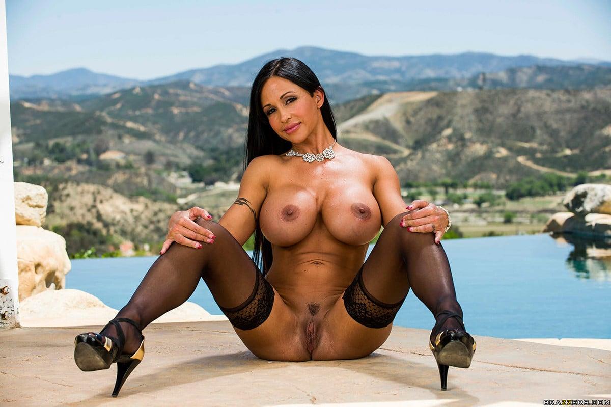 Top 25 Brunette Milf Pornstars - The Lord Of Porn-3502