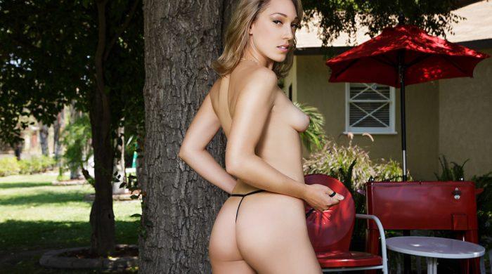 Lily LaBeau