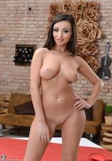 Alyssia Kent porn star